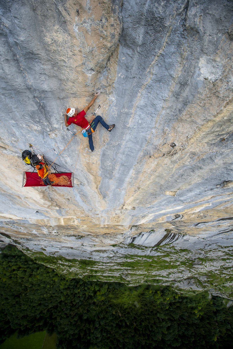 """Lauterbrunnen """"The Fly"""" Cedric Lachat and Tobias Suter © Guillaume Broust"""